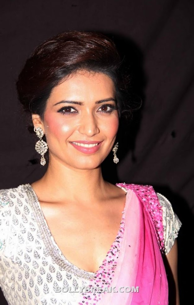 Karishma Tanna Pink Saree Face closeup - Karishma Tanna in Pink Saree - Hot Pics