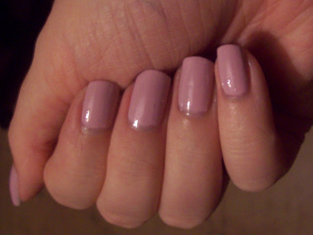 Geordie Nails: 17 by Boots ~ Sweet Kisses
