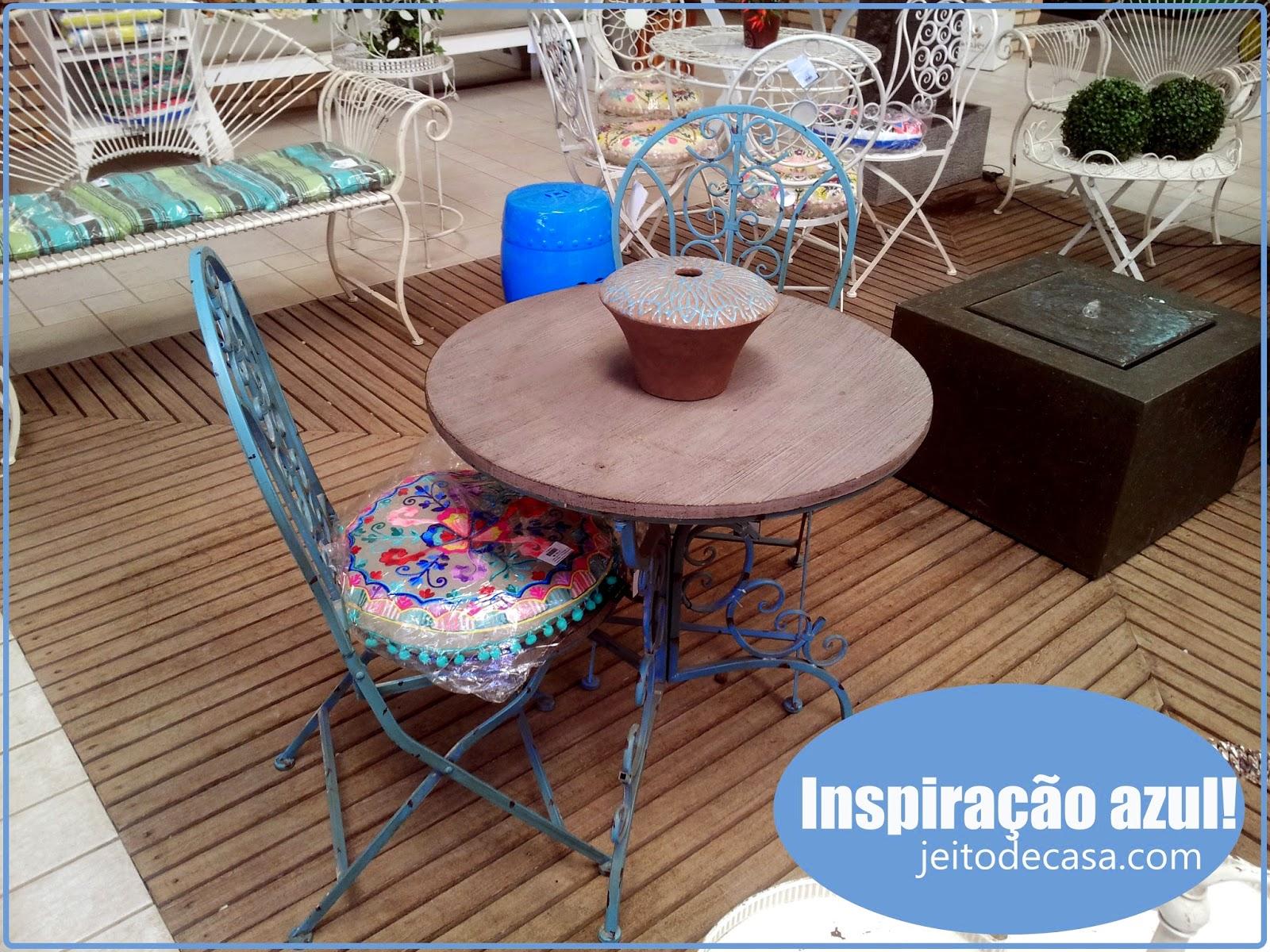 mesa em ferro fundido conjunto mesa e quatro cadeira s em ferro #2E619D 1600x1200