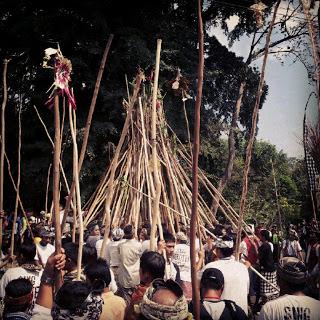 Tradisi Mekotek