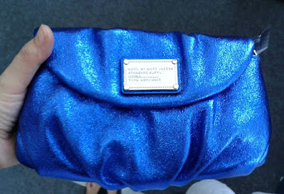 marc-by-marc-jacobs-karlie-clutch-metallic-blue