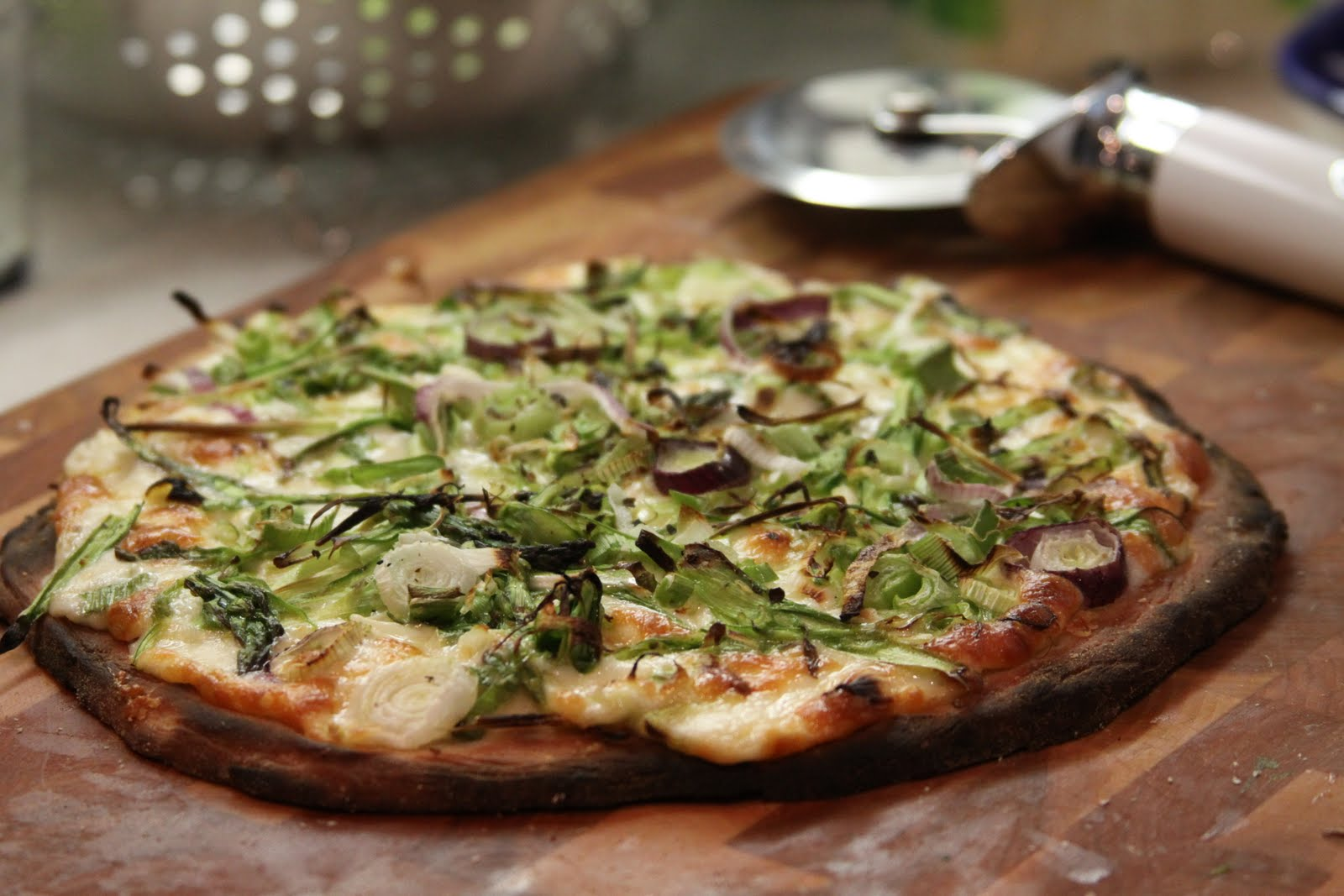 Shaved Asparagus Pizza with Green Garlic and Spring Onions :: Plate ...