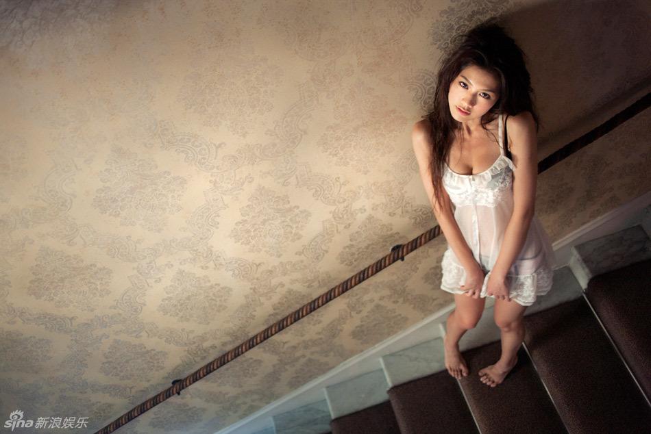 asian celebrity girls chrissie chau   popular hong kong