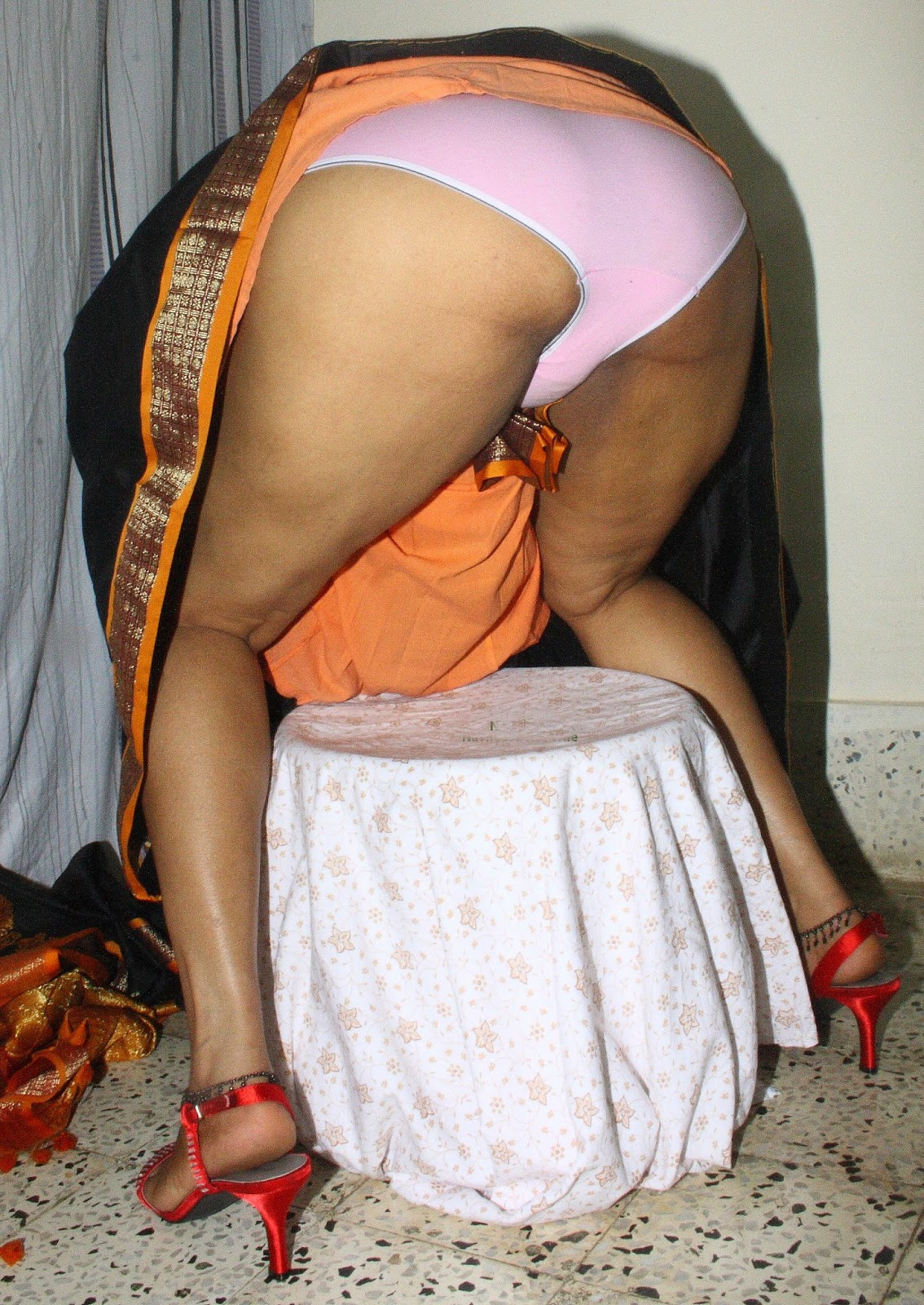 Sorry, that Indian aunties ass upskirt rather