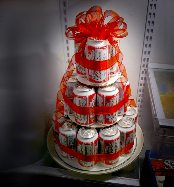 Maiko Nagao: DIY: Beer Can Cake By Dollar Store Mom