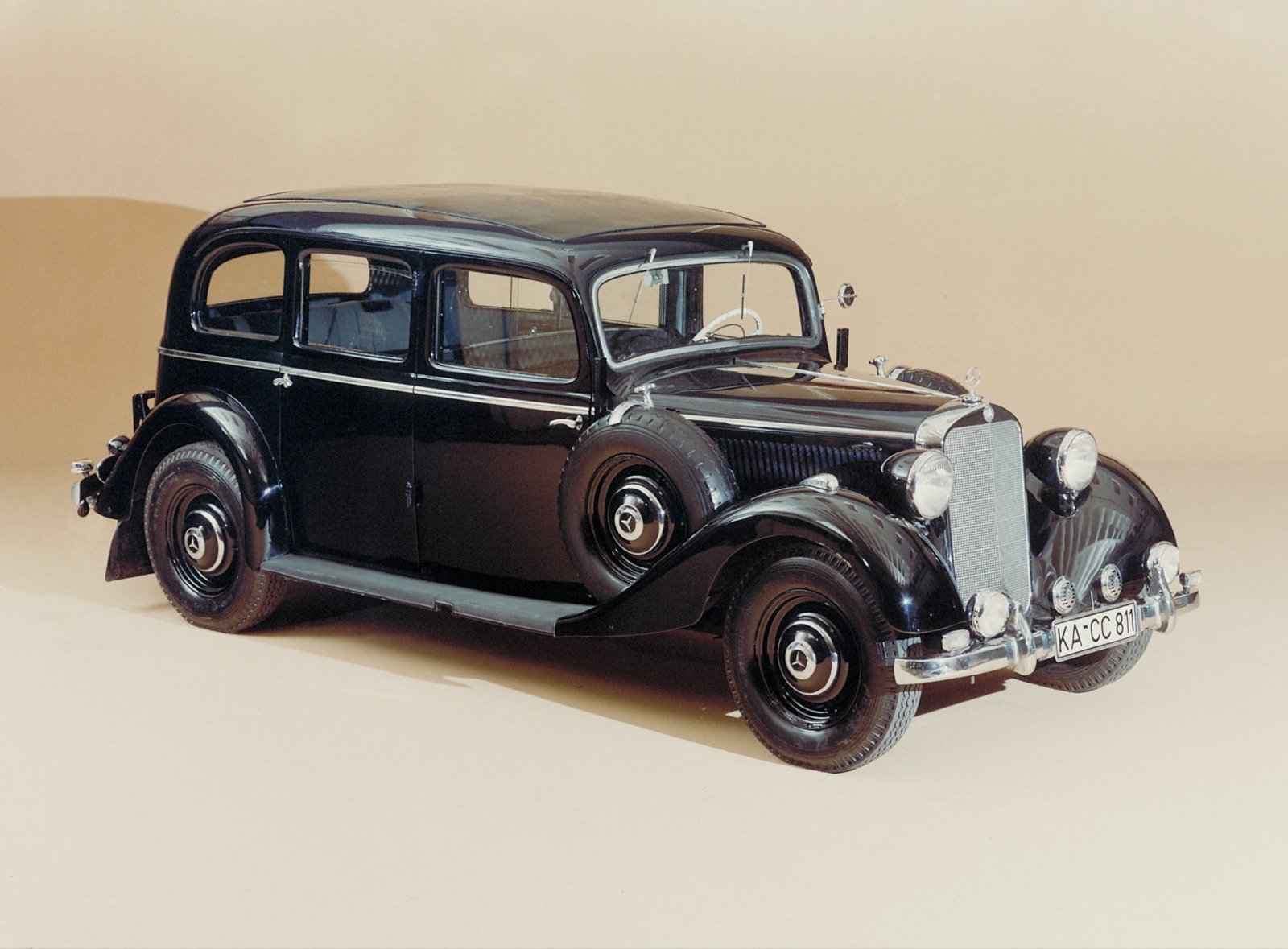 Los coches antiguos de mercedes benz del a o 1955 al 1931 for Mercedes benz of wilmington de