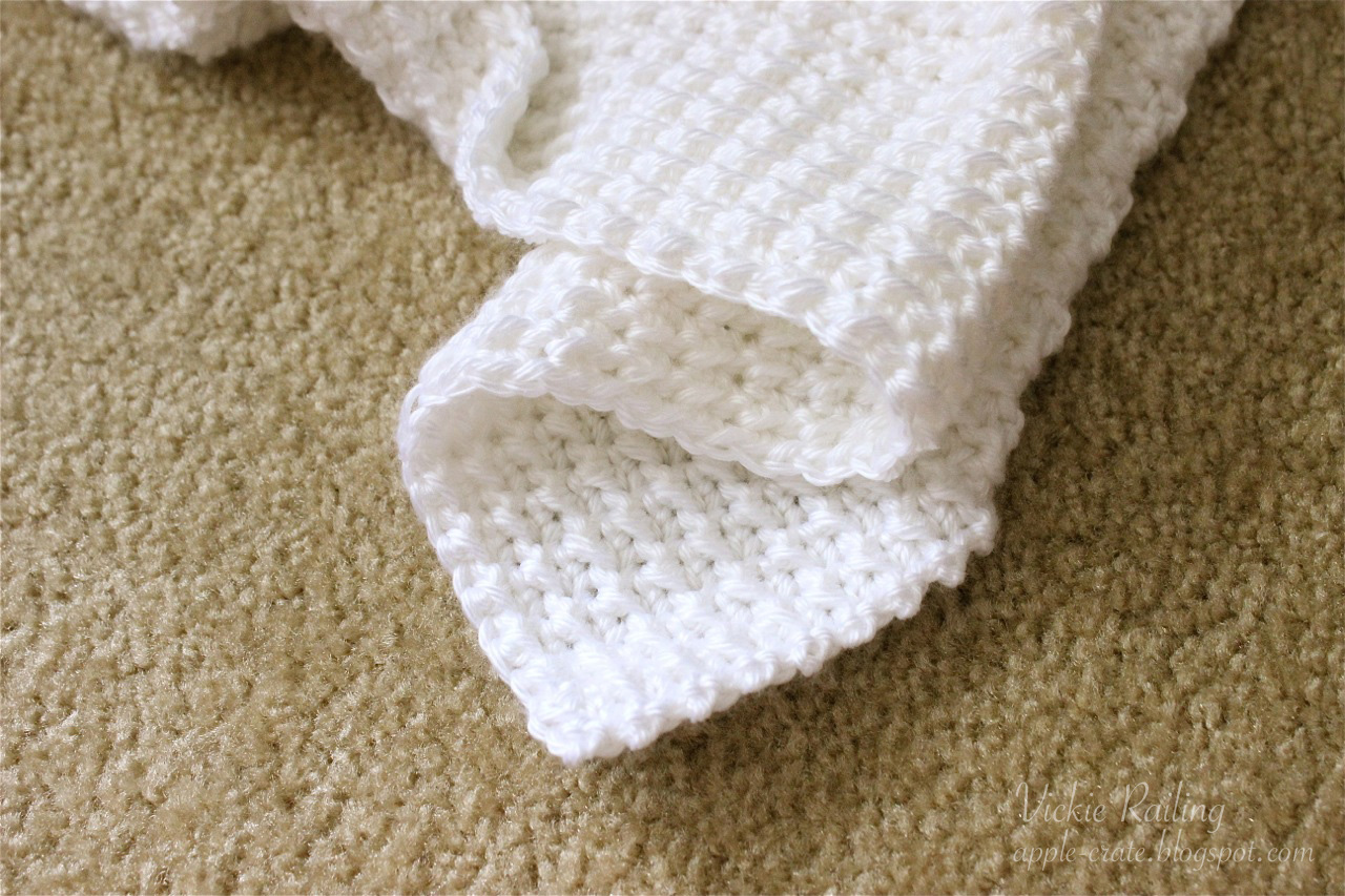 Double Stitch Crochet Baby Blanket Pattern : The Apple Crate: The Baby Blanket That Almost Wasnt