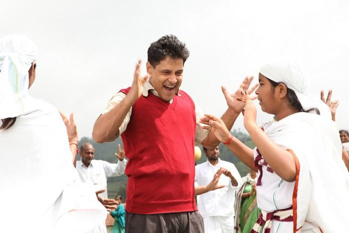 Deiva Thirumagan  Tamil Movie StillsPicsWallpaper Gallery function pics