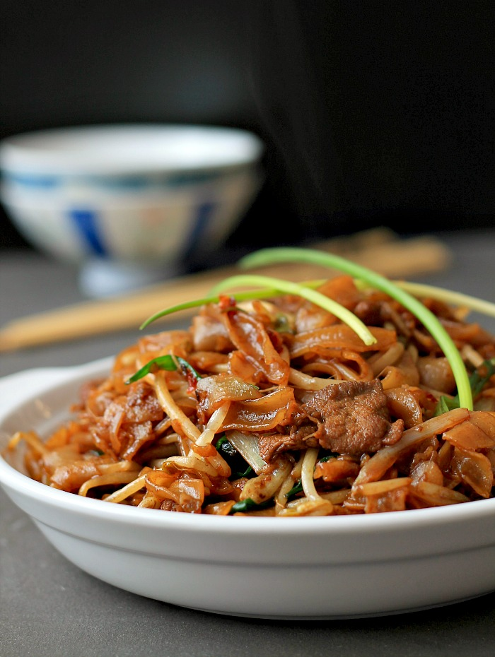 chow ho fun noodles