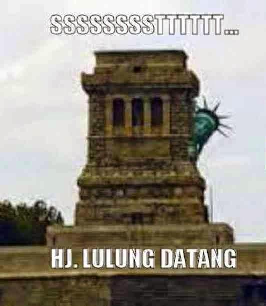 Meme Reaksi Patung Liberty Ketika Haji Lulung Mau Lewat