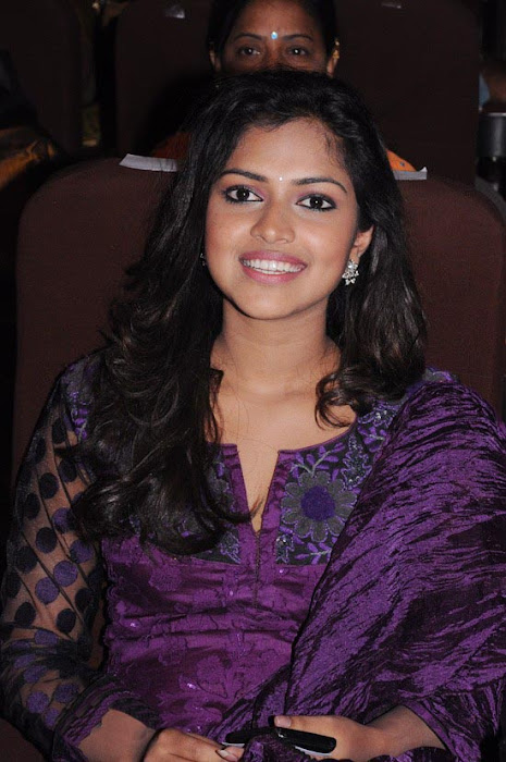 amala paul at edison awards sa glamour  images