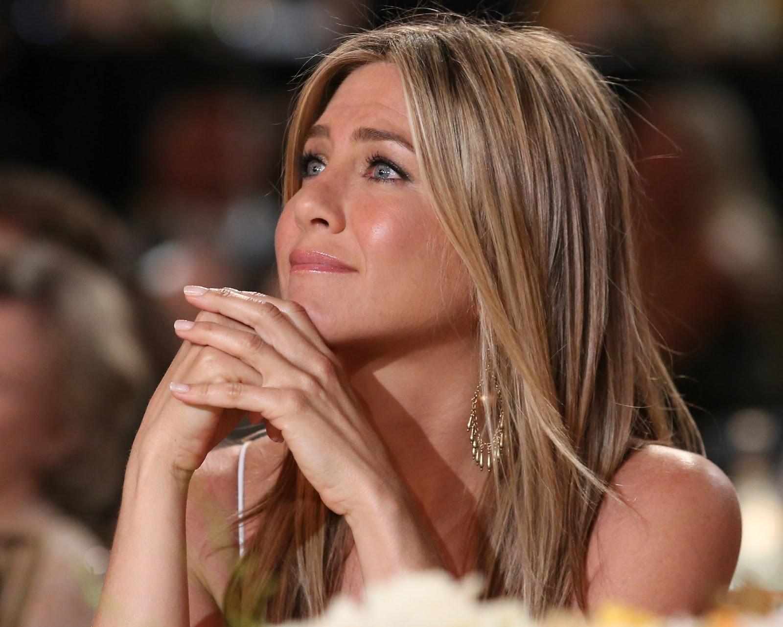 http://3.bp.blogspot.com/-R1vOuJx3L-k/URx5b1qPQfI/AAAAAAAADkk/IlbQNL8K9-A/s1600/Jennifer+Aniston_5.jpg