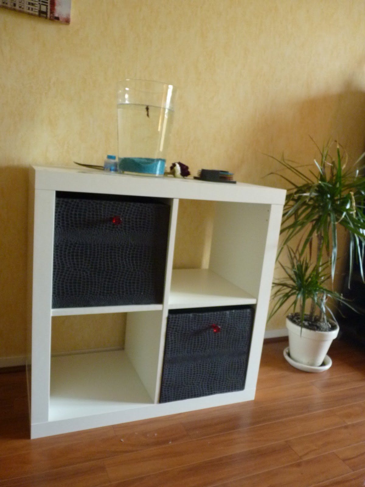 creacris cr ation de tiroirs en carton pour meuble basique. Black Bedroom Furniture Sets. Home Design Ideas