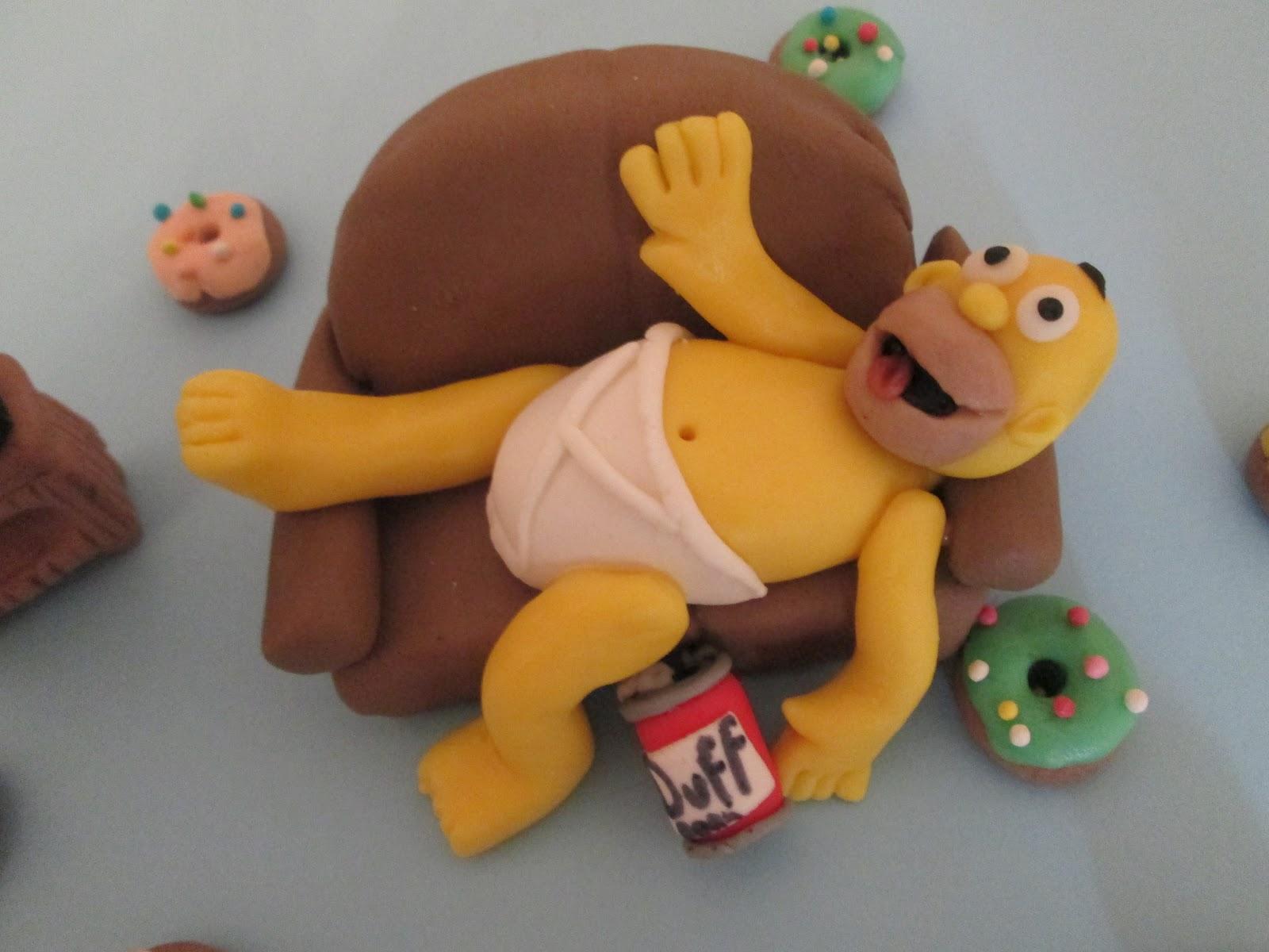 Simpson Sul Divano : Eliana dolci decorazioni homer simpson sul divano in