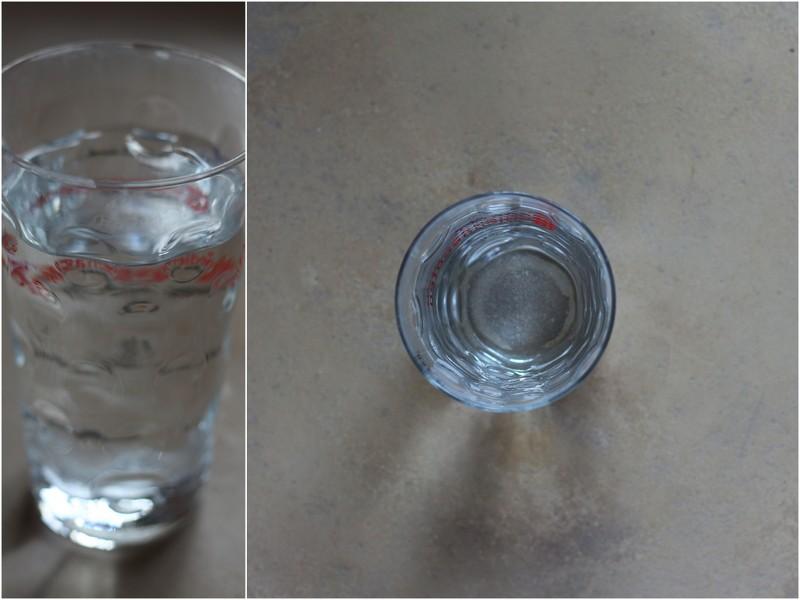 2 EL Glaubersalz in 0,5 Liter Wasser