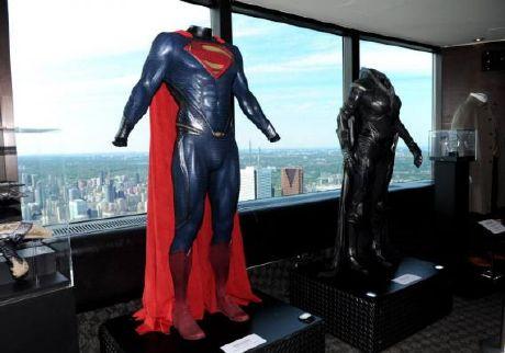 """Exposición trajes """"El Hombre de Acero / Man of Steel"""""""