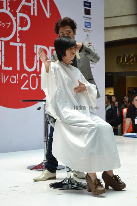 Ghaida saat rambutnya sedang di styling