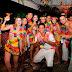 Rick Carlucci apresenta imagens dos modelos durante Baile do Hawaii