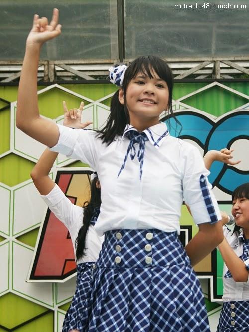 Foto Cantik Delima Rizky JKT48 Ketika Perform Keren Banget