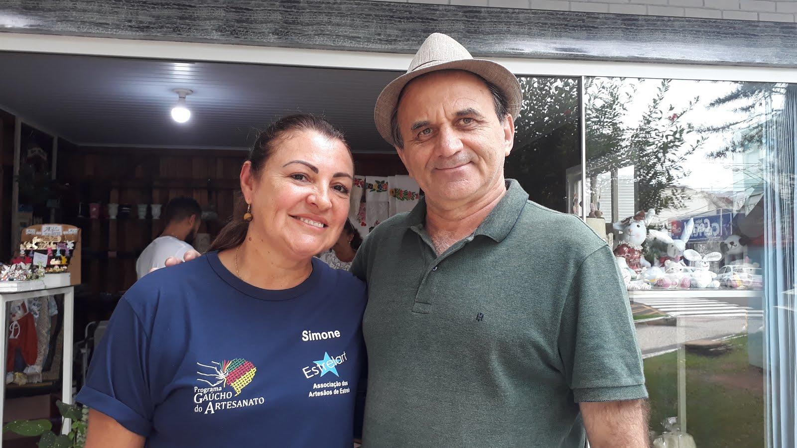 Airton Engster dos Santos e Simone Wolker