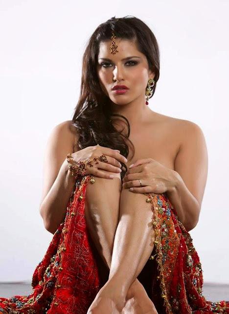 Sunny Leone Hot Boobs Sexy Wallpapers indianudesi.com