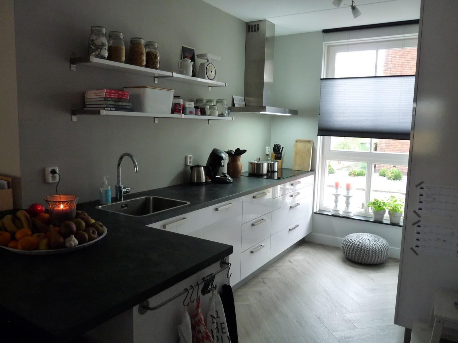 Kom binnen in ons nieuwe huis de keuken - Keuken in het oude huis ...