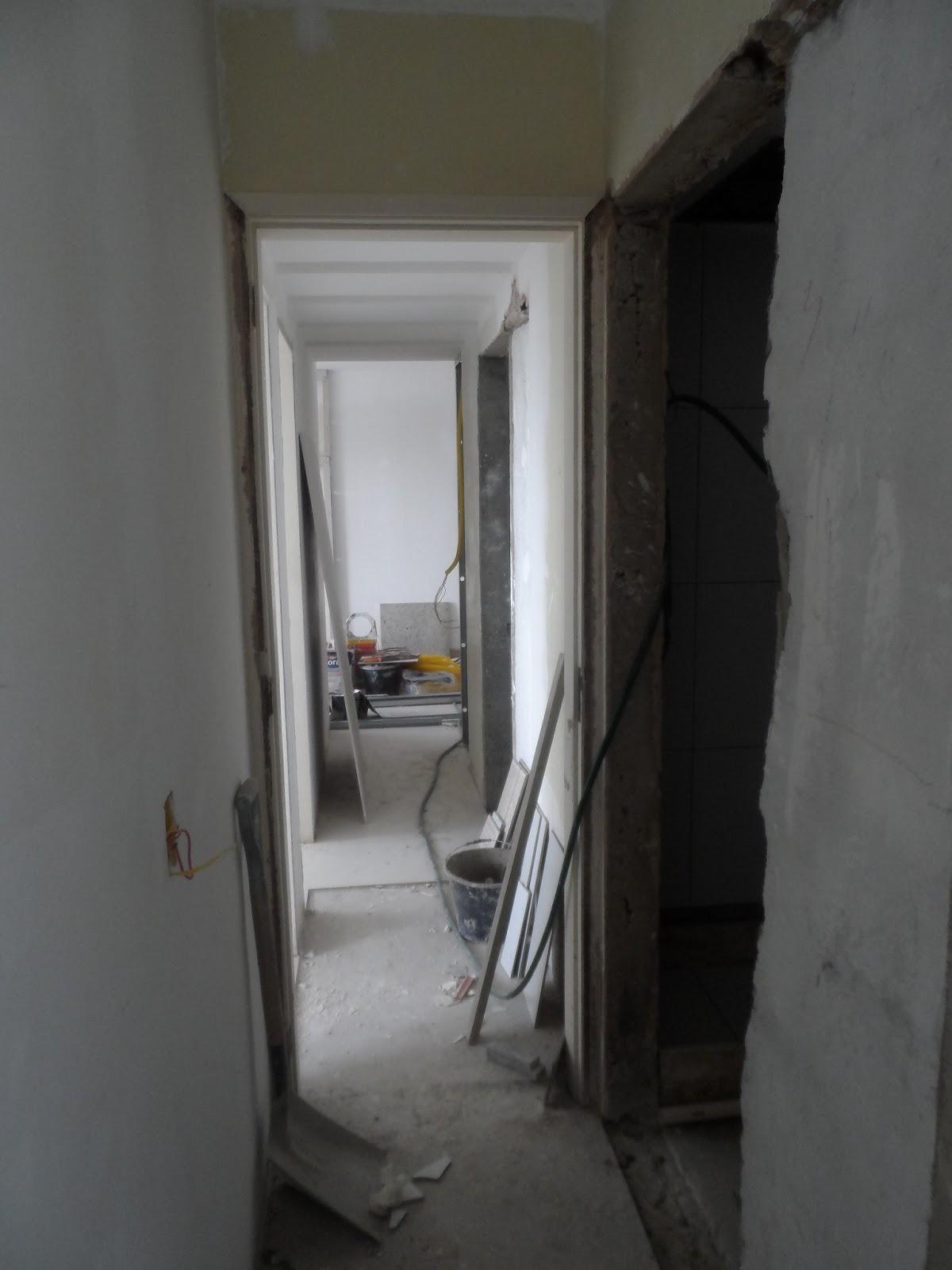 de continuidade dos espaços e cria a percepção de um apartamento #57514A 1200x1600 Balança De Banheiro Como Usar