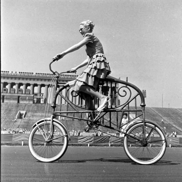 Bicycle+Pageant,+1948+(5).jpg