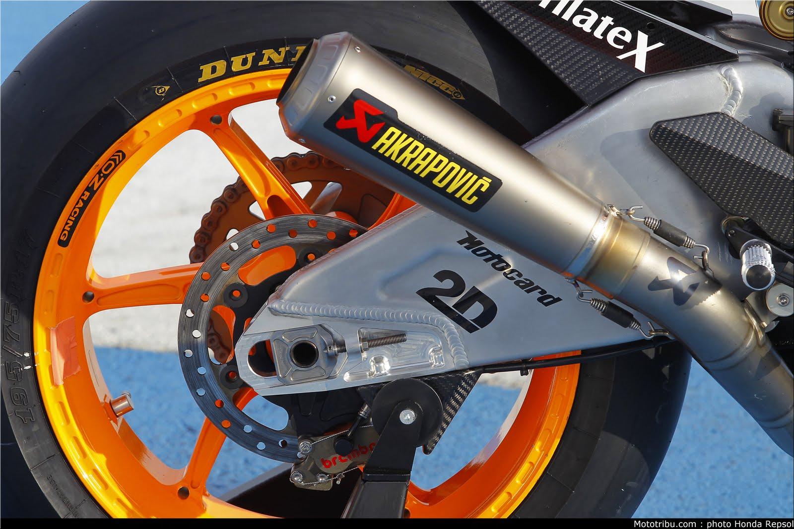 Machines de courses ( Race bikes ) - Page 7 Suter%2BMMX%2BMarquez%2B2011%2B06
