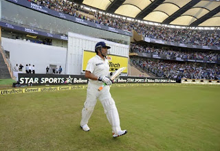 Sachin Tendulkar Walks In To Bat