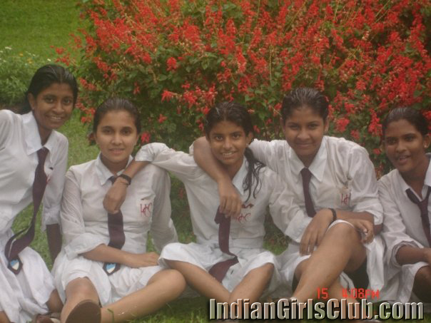 indian school babe nude