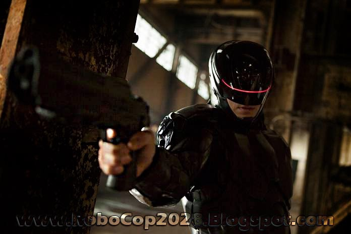 Joel Kinnaman in the 2028 remake Robocop Suit