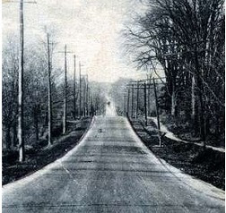 Looking down a dirt road in Oshawa, possibly Simcoe Street. Source: OurOntario.ca