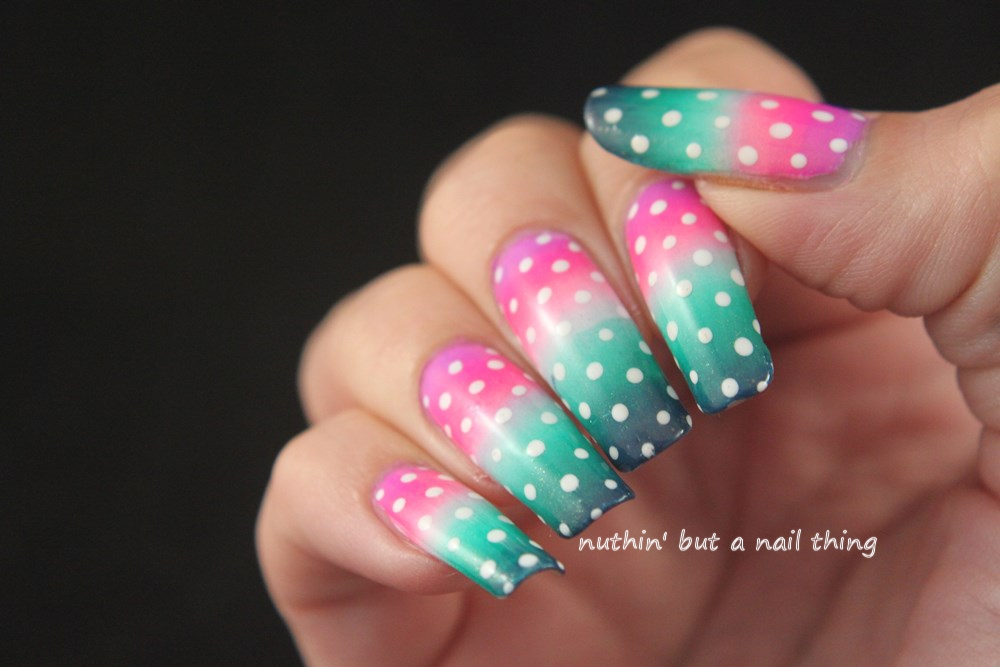 gradient nail art design