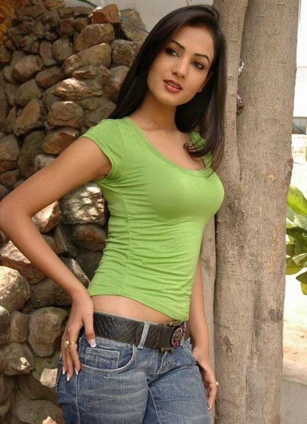 Sonal Chuhan Beautiful Wallpapers   Bollywood Celebrities Photo ...