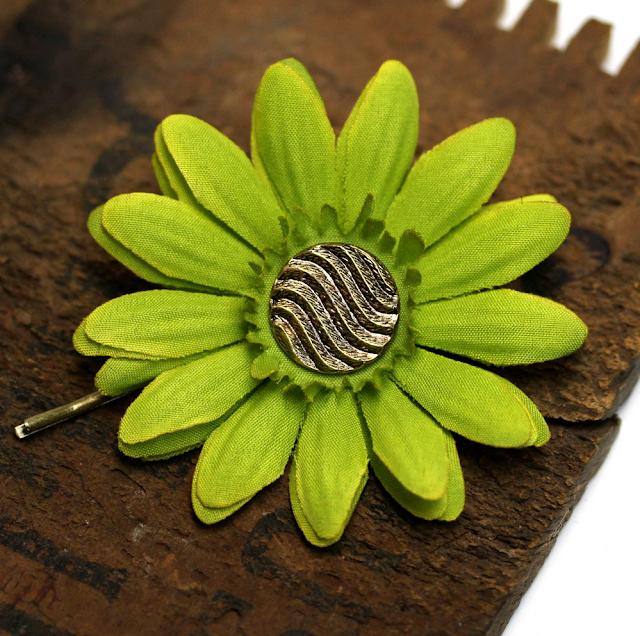 Bright Green Hair Flower Pin #pinup #hair #vintage #green
