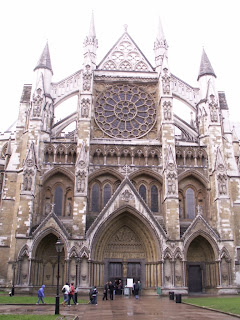 westminster abbey in the rain