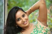 Ishika singh latest glam pics-thumbnail-3