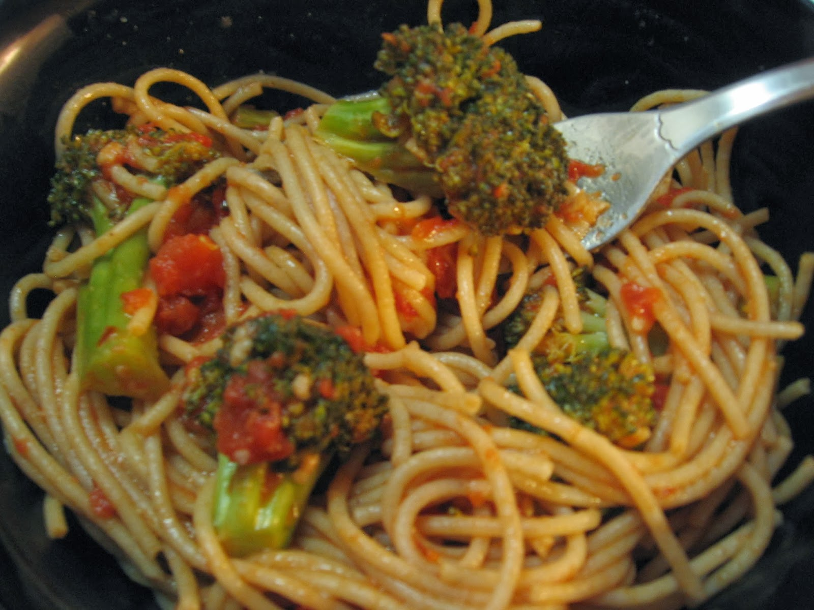 how to cook jollof spaghetti with tomato paste