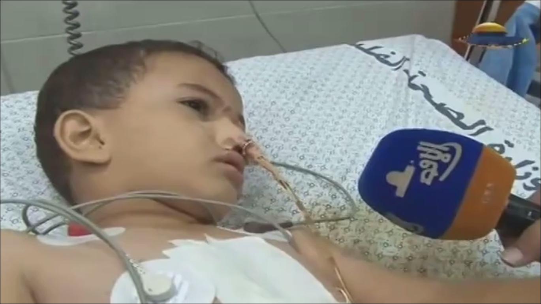 طفل من غزة لا يعلم أن عائلته ماتت ولم يبقى الا هو