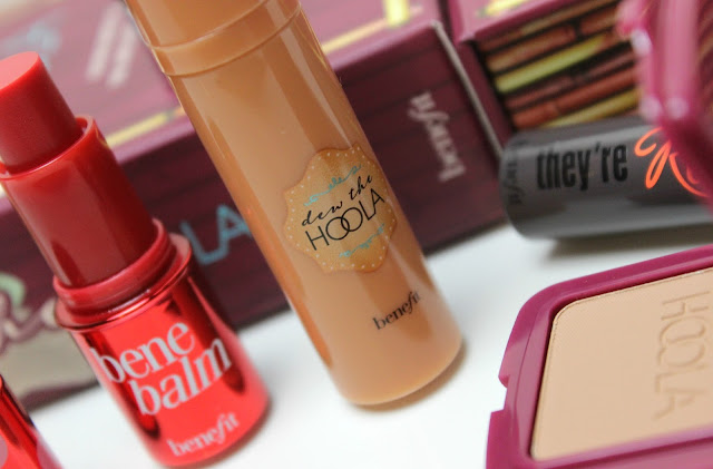 A picture of Benefit Dew The Hoola Liquid Hoola Bronzer