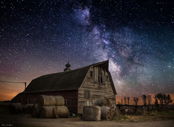 Photos by Aaron Groen