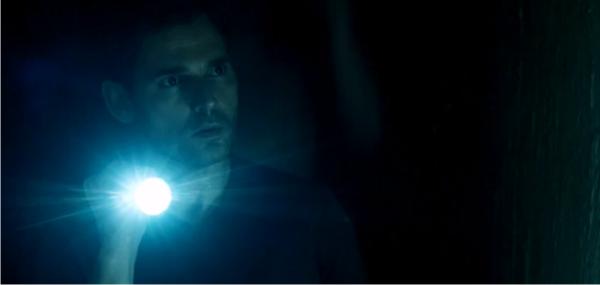 Terceiro trailer estendido do terror sobrenatural Livrai-nos do Mal, com Eric Bana e Edgar Ramirez
