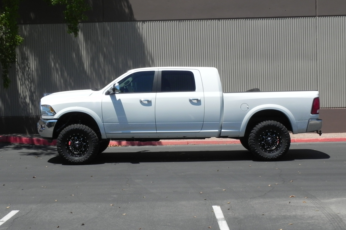 Ram  With Carli Pin Top   Suspension Lift