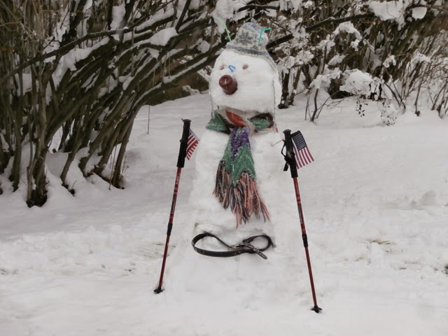 Stylish Snowman ready for early skiing in Aspen