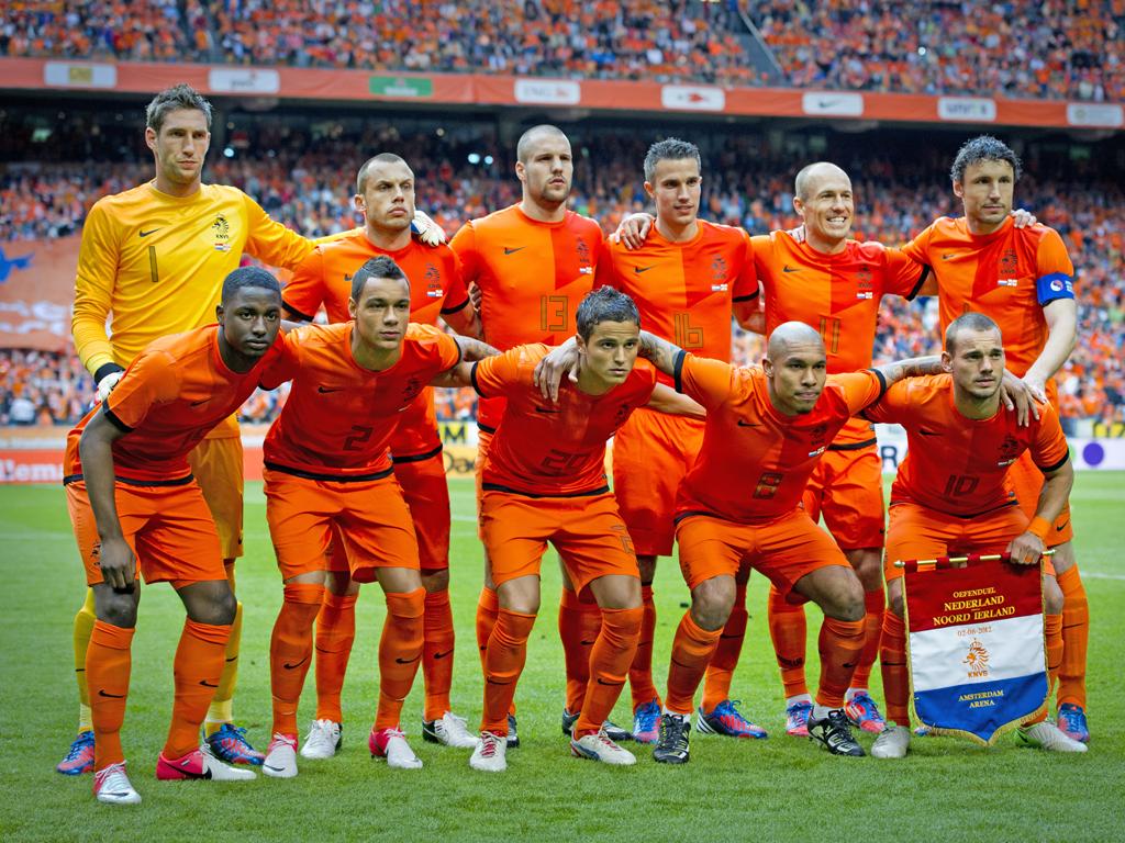 http://3.bp.blogspot.com/-R55Nt_9Hvfg/T-_lSwaJh-I/AAAAAAAADOc/ivQPFnKOOEA/s1600/Euro+2012+Team+Wallpaper+(26).jpg