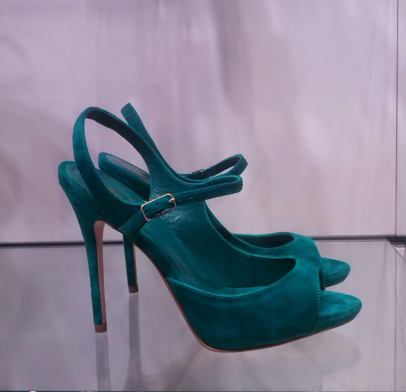 cinti, from_head_to_toe, hairstyle, mua, make_up_artist, vip, palermo, shoes, green, open_toe