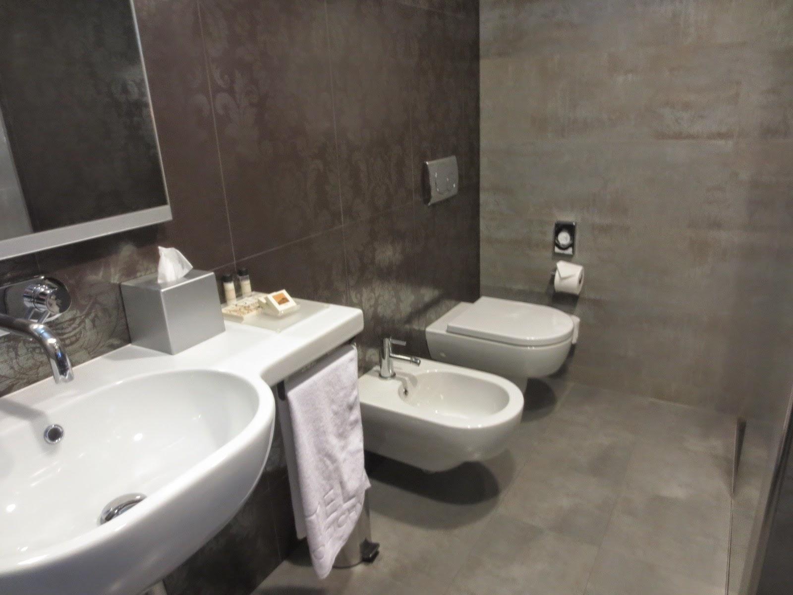 Hotel Palazzo Zichy Bathroom