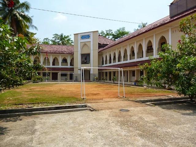 Teruntuk Para Orang Tua di Bandung, Jangan Daftarkan Anak Kalian di Sekolah Syiah ini!