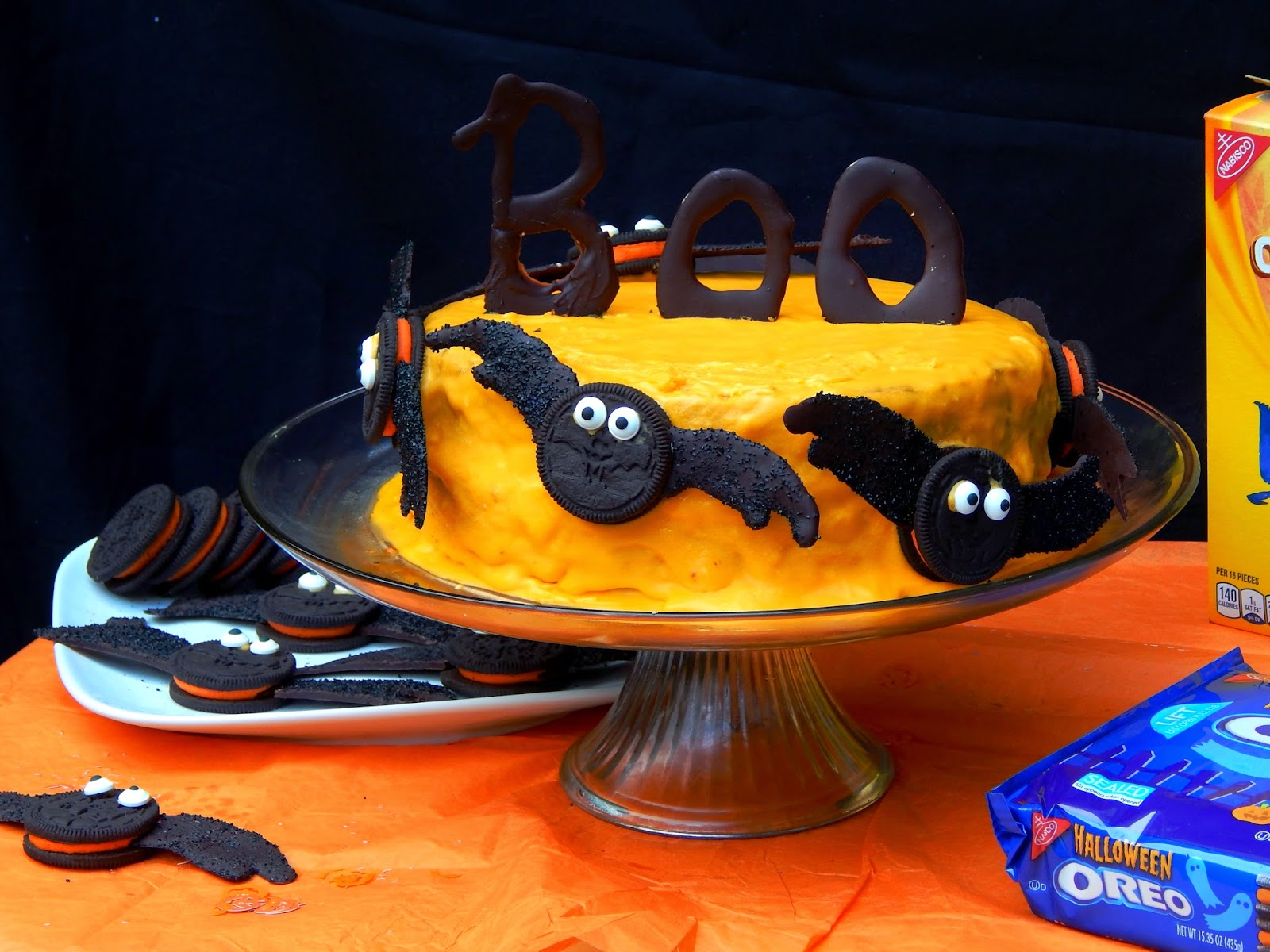 Halloween Snack Ideas / Spider Snacks / Oreo Bats / #SpookySnacks #shop #cbias